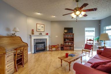 7621_Living Room